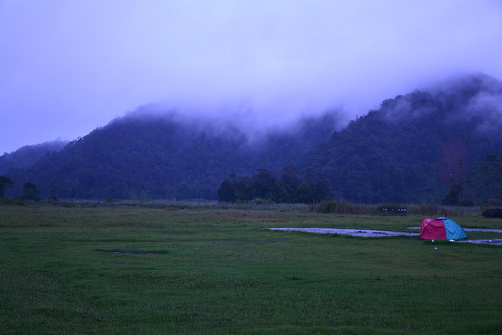 Suasana senja, masih ujan :(